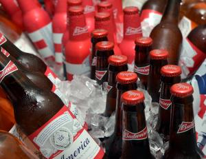bia budweiser nhập khẩu Mỹ sản xuất như thế nào