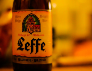 giá bia leffe tphcm
