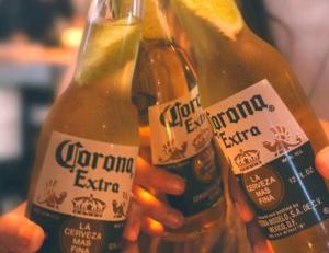 cách uống bia corona